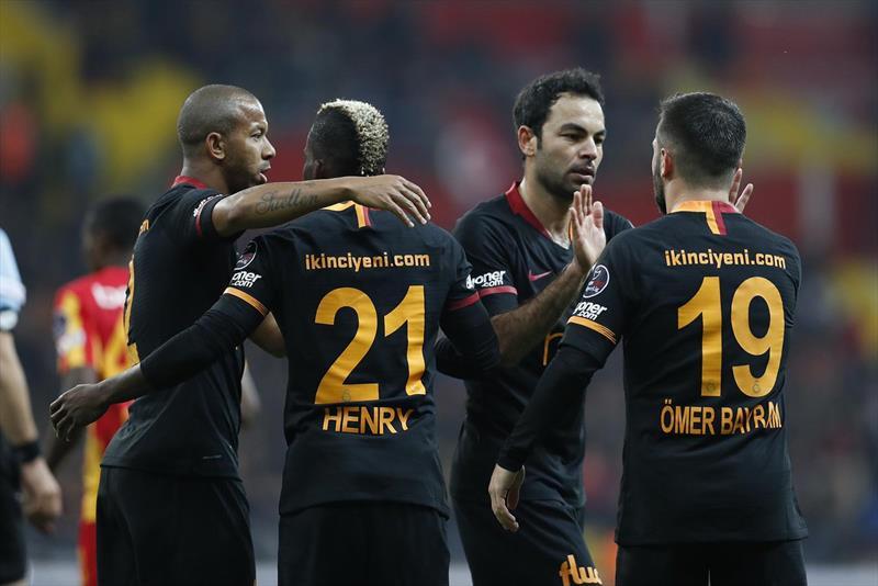 Galatasaray zorlu virajda!