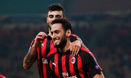Fabregas'ı isteyen Milan Hakan'ı satabilir
