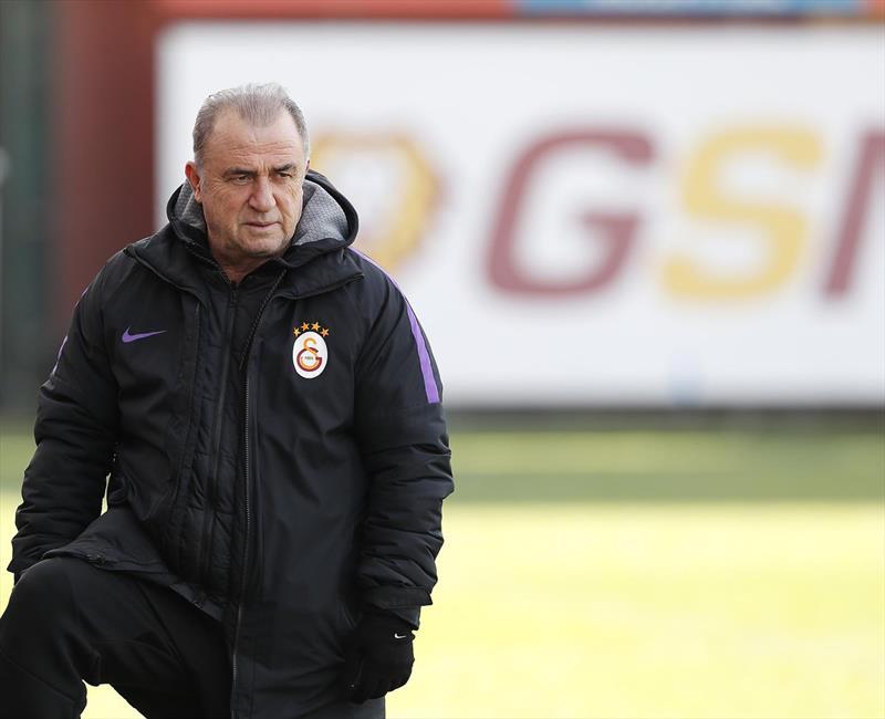 Galatasaray'da gözler transfer çevrildi!