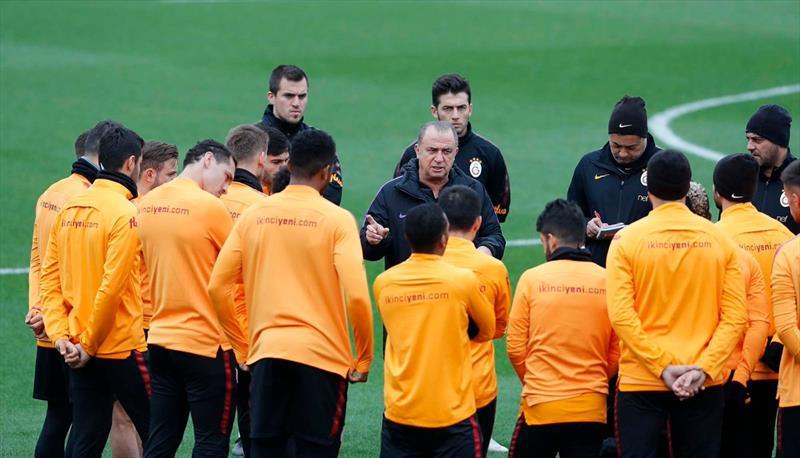 Galatasaray'da gençlere tam not!