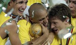 "Roberto Carlos'tan şok yorum! ""Brezilya özününü kaybetti"""