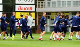 Fenerbahçe'de ilk 11 şekilleniyor