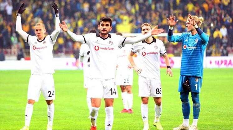 Beşiktaş'ta 3 isim takıma dönüyor!