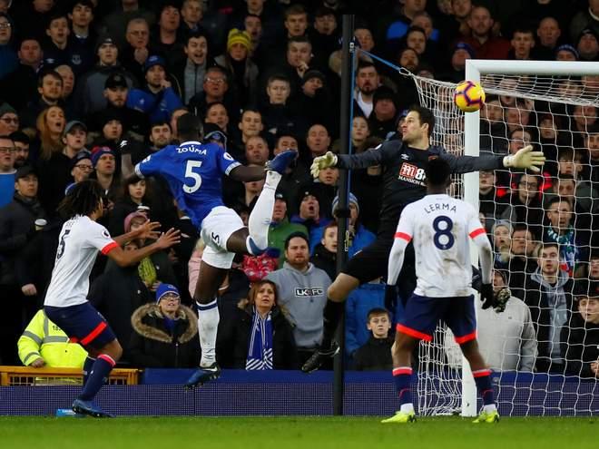 Everton Zouma'yı bırakmak istemiyor!
