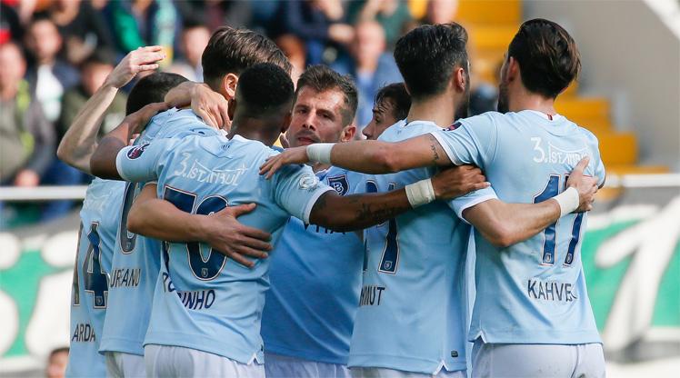 Akhisarspor Medipol Başakşehir maç özeti