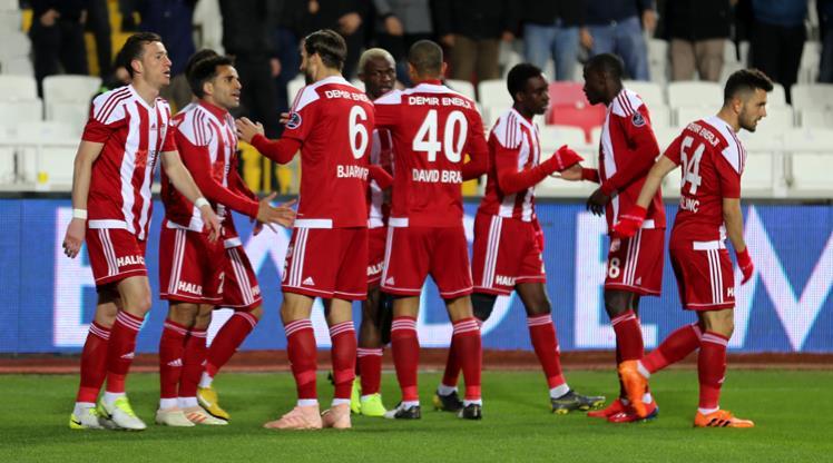 Demir Grup Sivasspor Akhisarspor maç özeti
