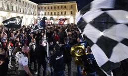Juventus taraftarı şampiyonluğu coşkuyla kutladı