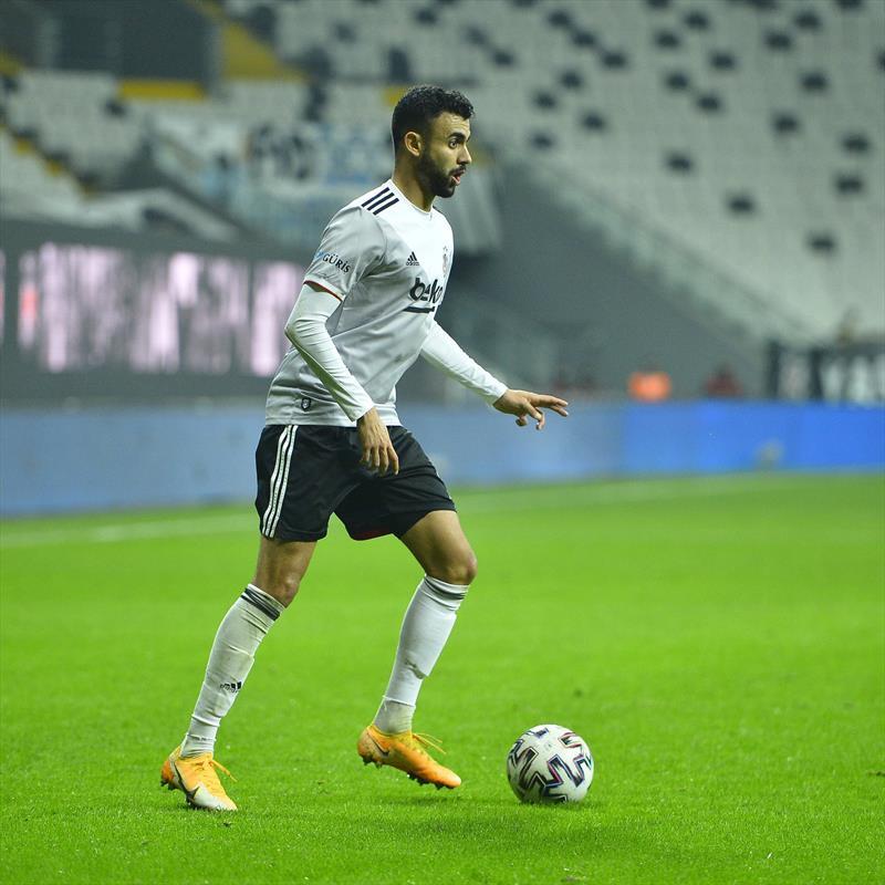 Beşiktaş forması giyen Rachid Ghezzal yaptığı asistlerle dünya yıldızlarıyla yarışıyor.