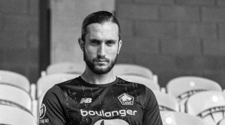 Lille, 2020-2021 sezonu boyunca kullanılacak olan deplasman formalarını milli yıldızımız Yusuf Yazıcı aracılığıyla görücüye çıkardı.