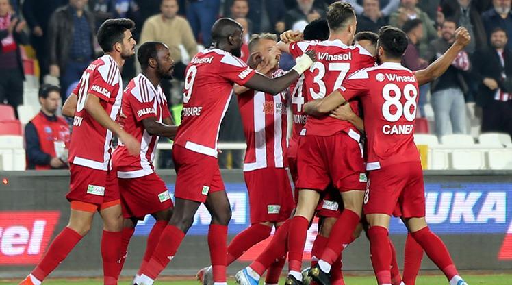Demir Grup Sivasspor İttifak Holding Konyaspor maç özeti