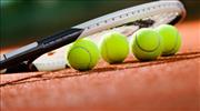 Tenisçiler korta geri dönüyor